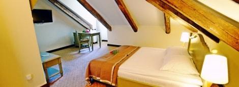 poilsis-bistrampolio-dvare-kambarys-9930