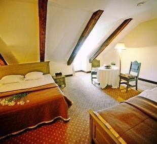 poilsis-bistrampolio-dvare-kambarys-9934
