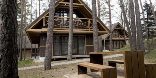 campus-viridis-suoliukas-namelis-14802