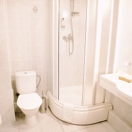 poilsis-anyksciuose-nykscio-namai-vonia-9255