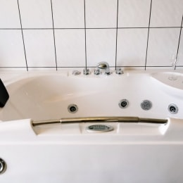 poilsis-klaipedoje-radailiu-dvaras-vonia-11929